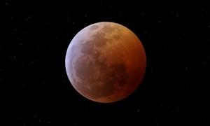 La Noche del Lunes Saturno y la Luna Brillarán Juntos y será visible en Toda la Argentina